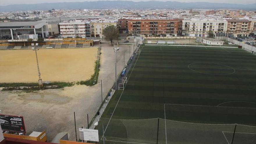 El Imdeco incurrirá en varios delitos si no regula los campos de fútbol municipales