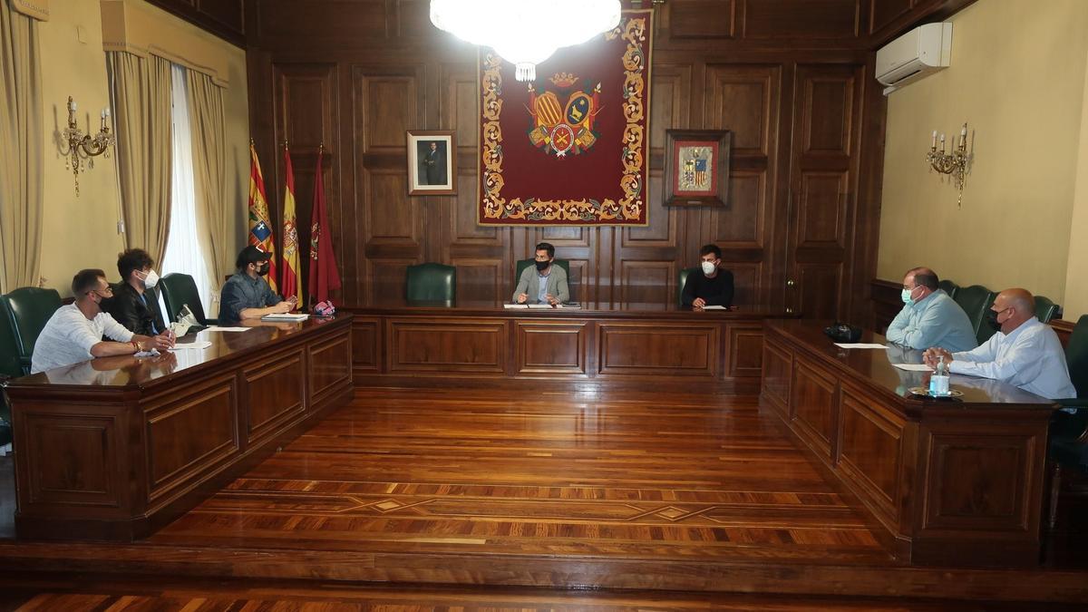 Reunión del Ayuntamiento de Teruel con asociaciones taurinas