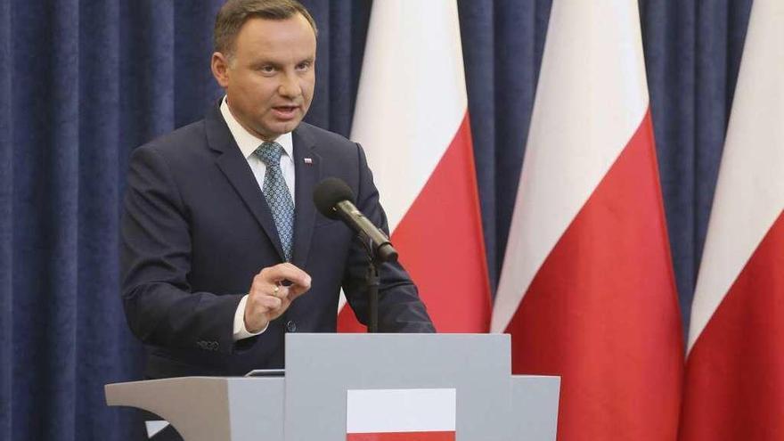 El presidente polaco veta la reforma judicial que provocó el rechazo de la UE