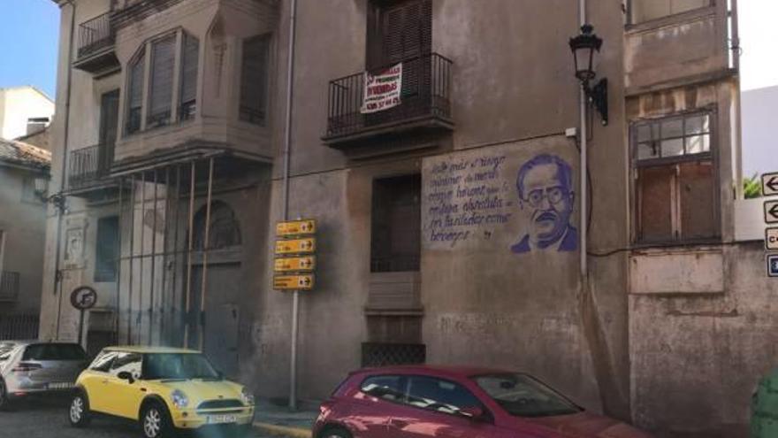 Requena saca a la luz un mural dedicado a Juan Negrín pintado en 1939