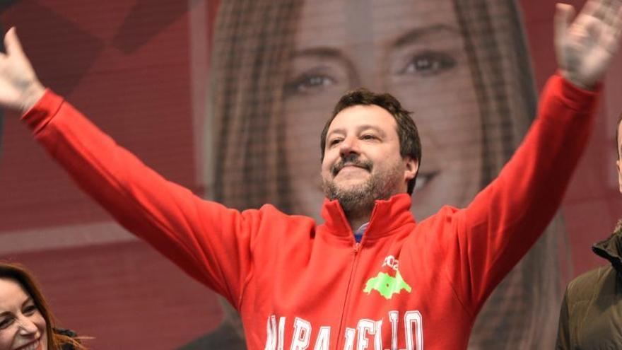 Salvini renuncia a su inmunidad para ser procesado por secuestro de inmigrantes