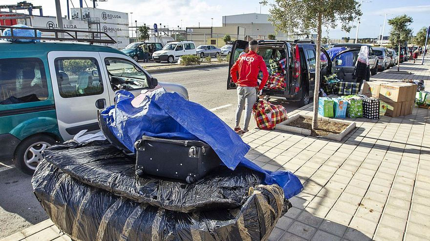 La reapertura de la línea a Argelia abre la vía para devolver a cientos de inmigrantes a su país de origen