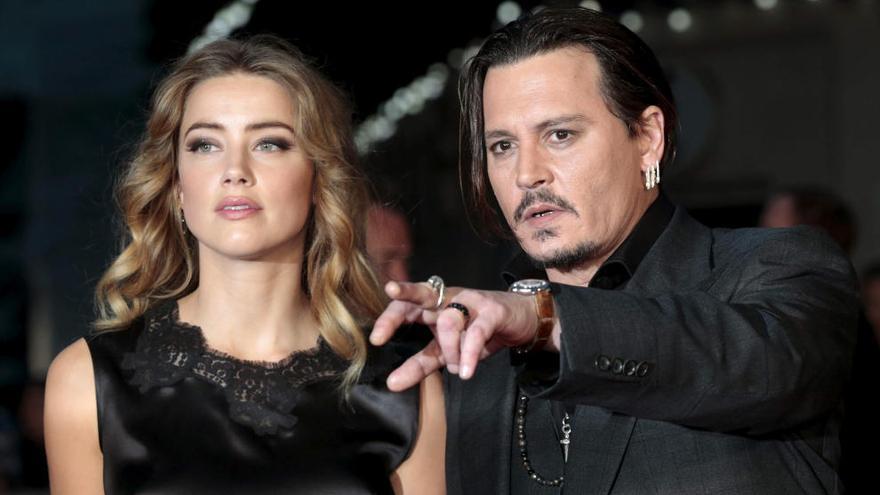 Johnny Depp y Amber Heard se divorcian tras un año casados