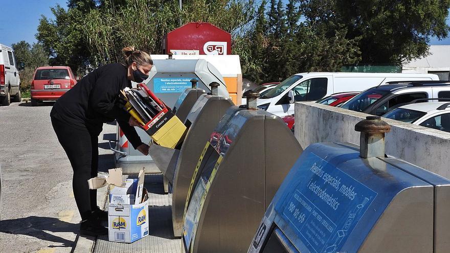 Formentera aún tardará tres años en implantar el contenedor de materia orgánica