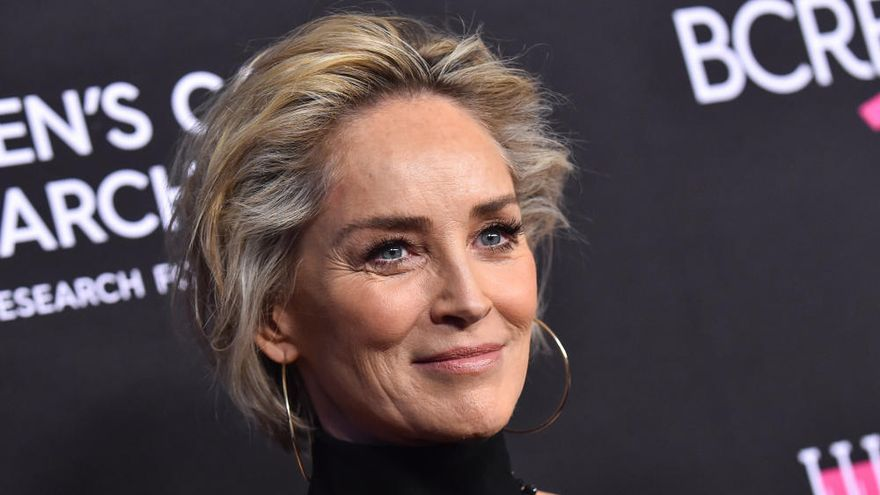 """Sharon Stone ataca a Trump por el coronavirus: """"No voten por un asesino"""""""