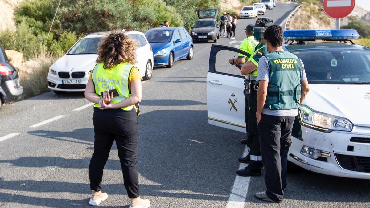 Gran despliegue policial por una fiesta ilegal con más de 1.000 personas en El Campello