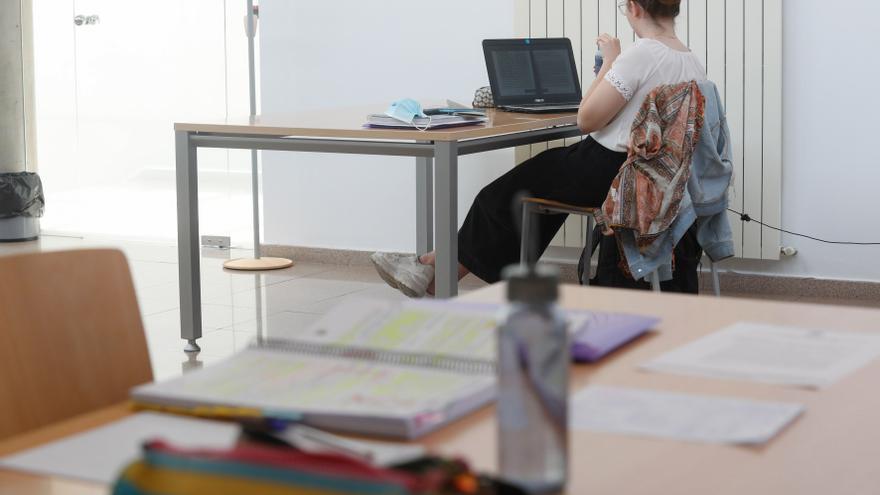 Preocupación en la Universidad por el creciente mercadeo de apuntes en internet