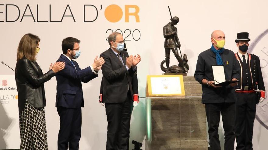 La mestra Maria Teresa Codina i el cantautor Lluís Llach, medalles d'Or de la Generalitat del 2020
