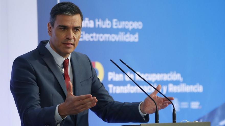 Sánchez anuncia 4.300 millones de los fondos europeos para impulsar el coche eléctrico