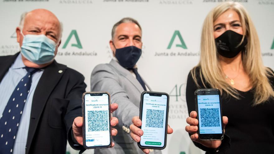 Enfermeros jubilados y estudiantes de Ciencias de la Salud también administrarán la vacuna en Andalucía