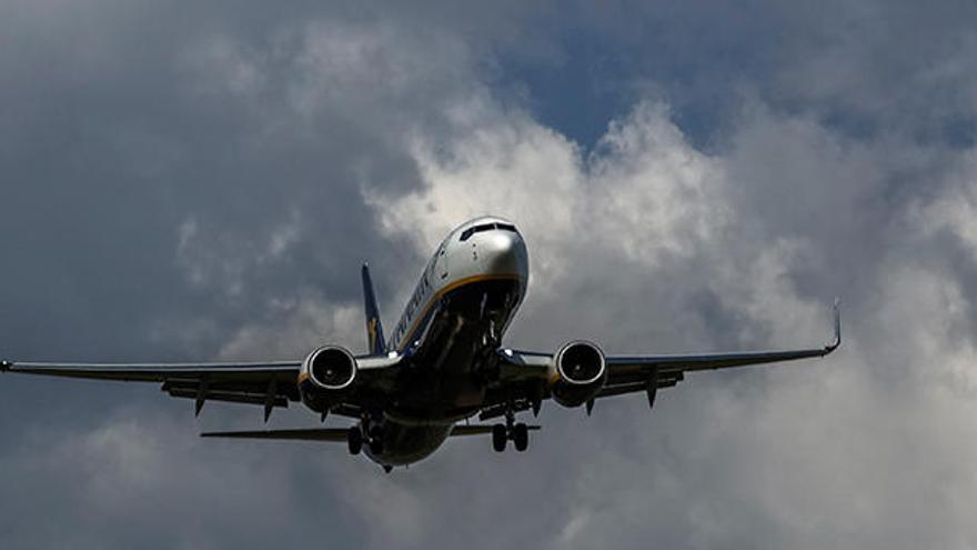 """El Govern admite que no esta """"nada contento"""" con el incremento del precio de los vuelos"""