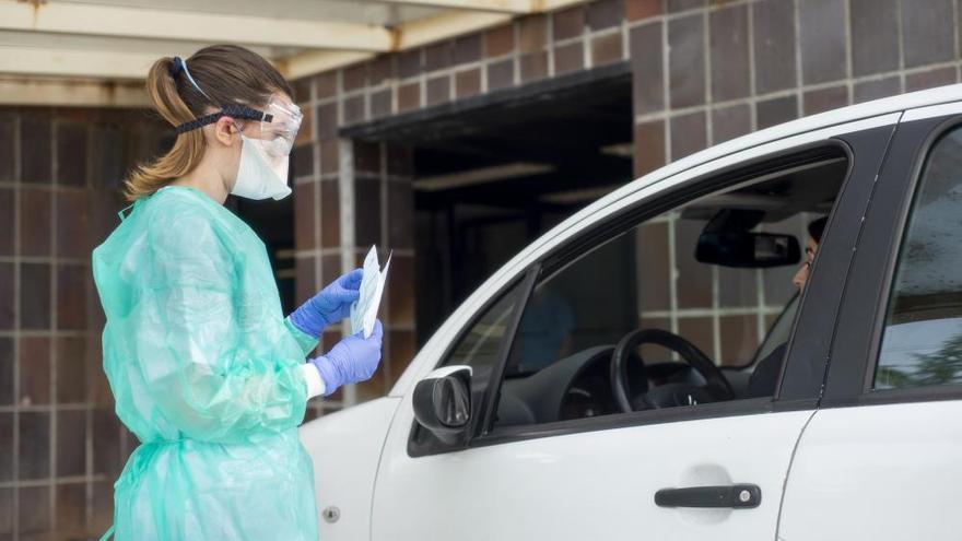 Las pruebas exprés disparan los positivos a 46 en Ourense, con 12 contagiados en un día