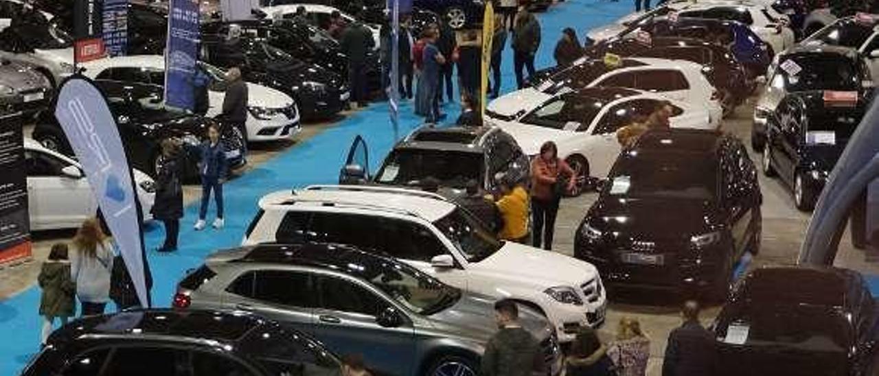 Feria de vehículos de ocasión en Silleda. // Picasa