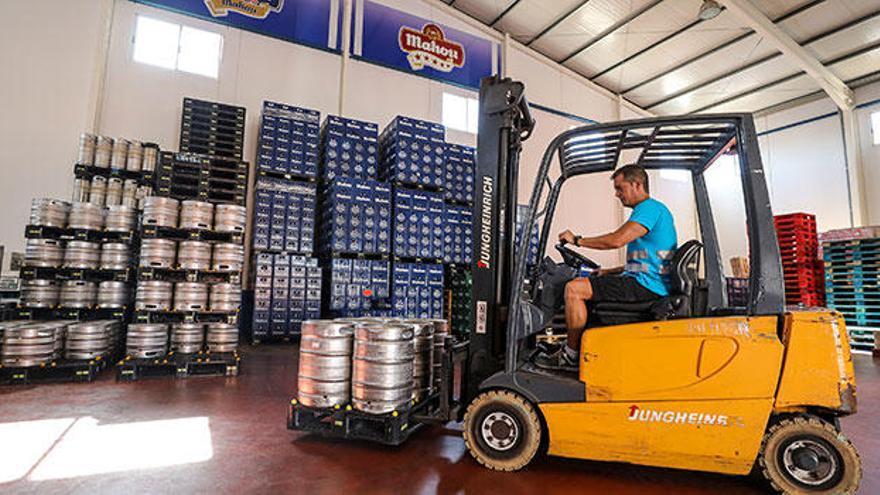 La empresa José Ramón Baile cumple 50 años en el sector de distribución de bebidas