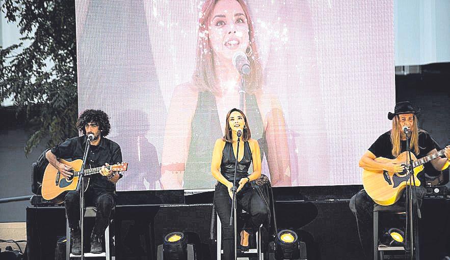 La cantante mallorquina fue la estrella del nuevo Porto Pi.