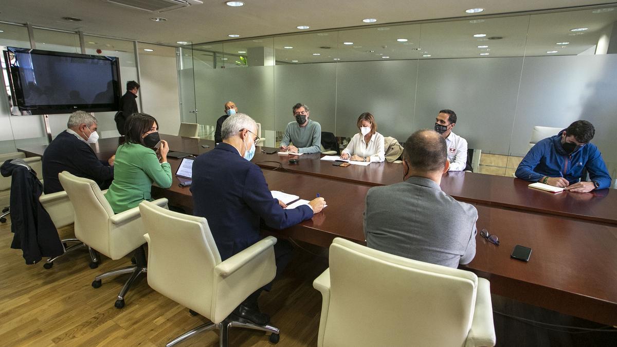 Reunión de los conselleiros con los comités de empresa