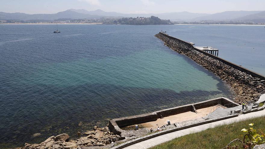Fin de semana de sombrillas y paraguas en Galicia