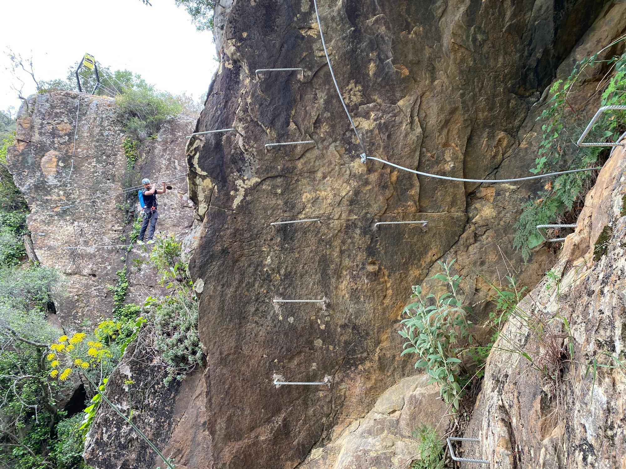 Las imágenes de la vía ferrata del sendero 'El Caimán' de Colmenar
