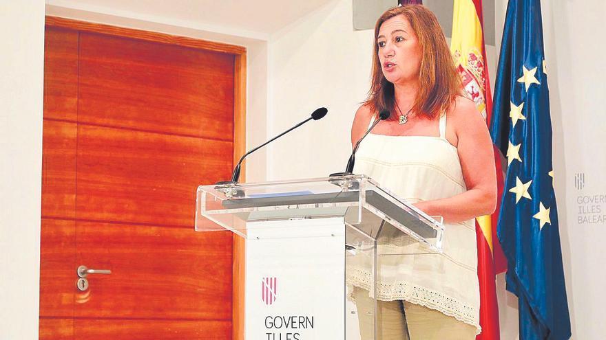 "Armengol pide a Sanidad Exterior controles ""seguros"" de turistas británicos"
