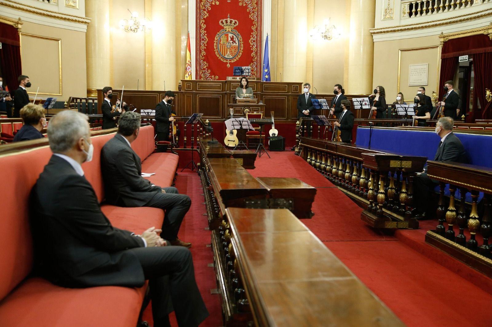 La Camerata Llíria City of Music actúa en el Senado.