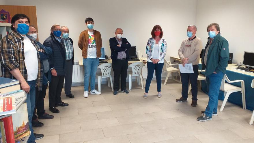 La Asociación de Vecinos Santa Cruz de Jove estrena un telecentro en su sede