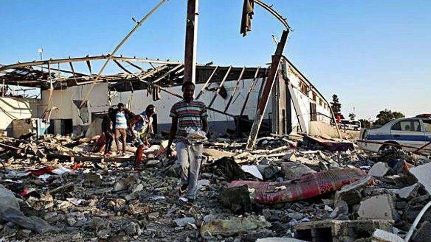 Uns 40 morts en un atemptat en un centre de migrants libi