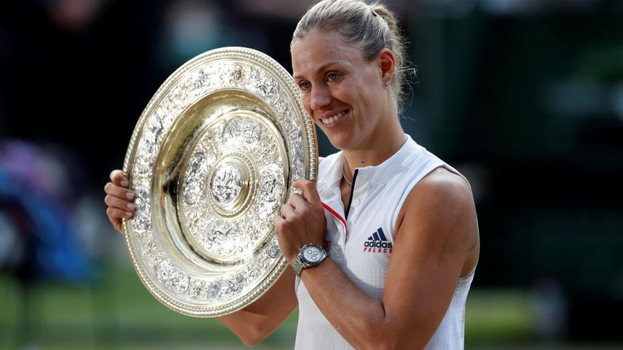 Kerber vence a Serena Williams y gana su primer Wimbledon