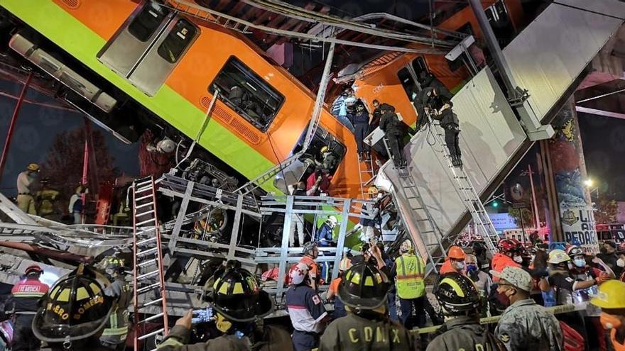 Almenys 15 morts en desplomar-se una via elevada del metro de Ciutat de Mèxic