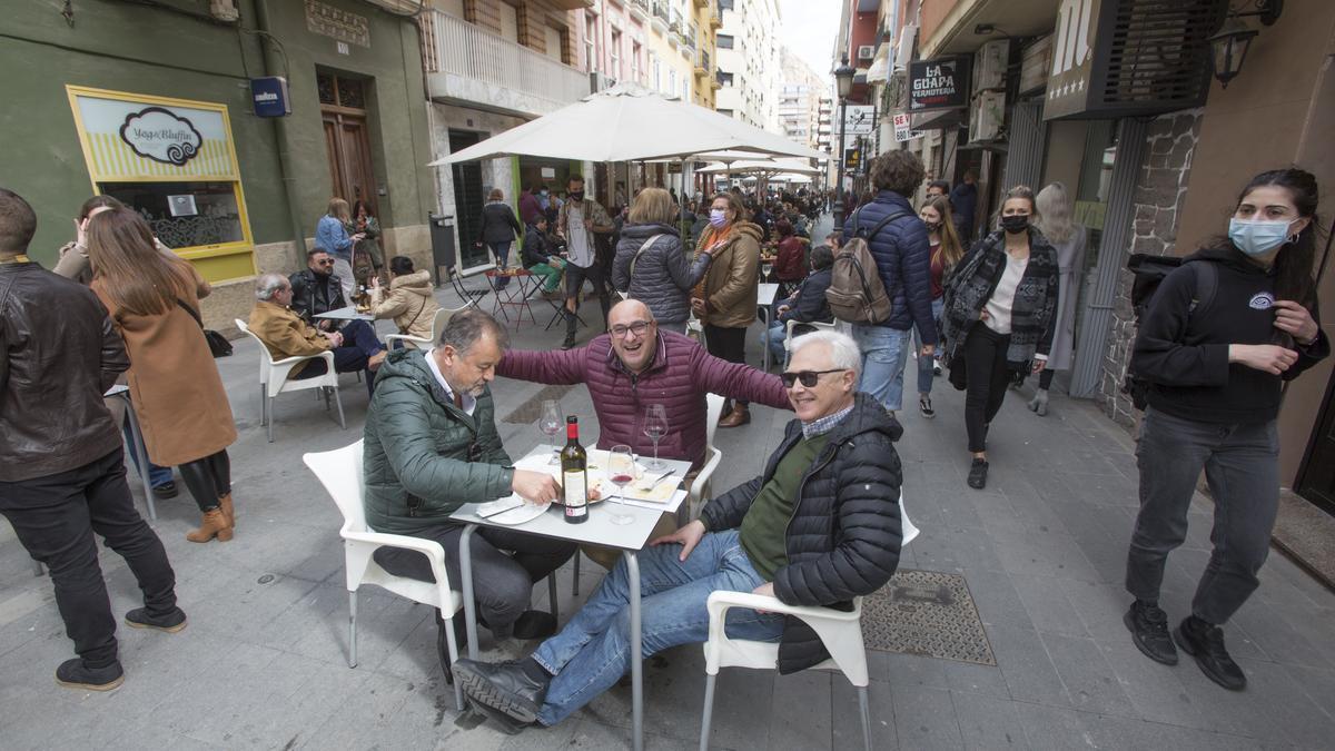 Primer sábado de apertura de las terrazas de la hostelería en Alicante