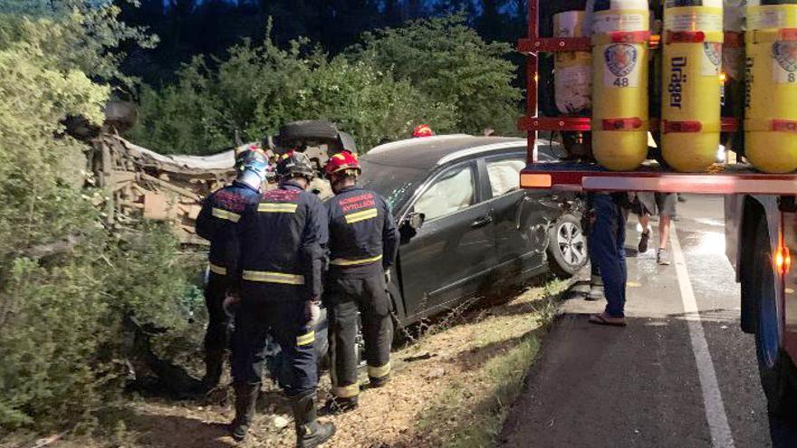 Choque entre dos vehículos entre Palazuelo de Torío y Garrafe (León)
