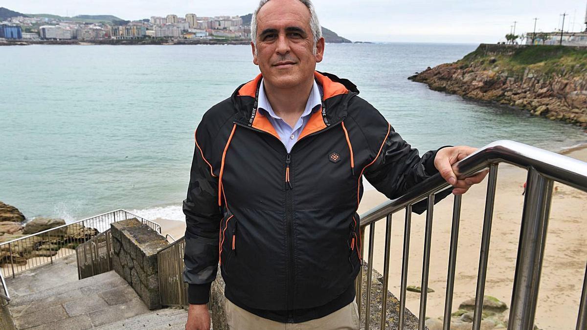 Rafael Serrano, vicepresidente de Aviturga, en A Coruña.   | // CARLOS PARDELLAS