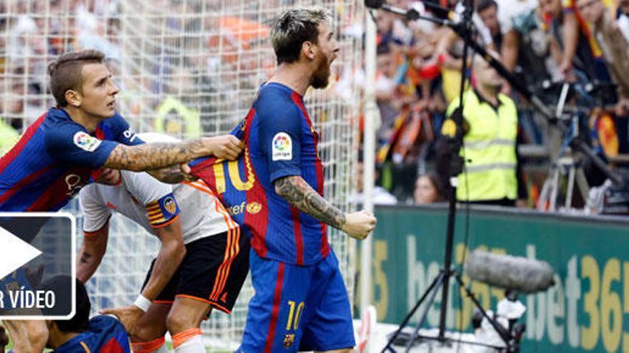 Neymar recibe un botellazo al final del partido