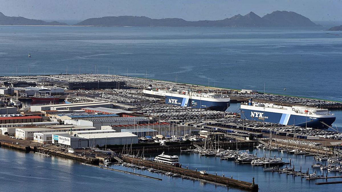 La terminal de Bouzas, donde se superaron los 500.000 coches. |   // MARTA G. BREA