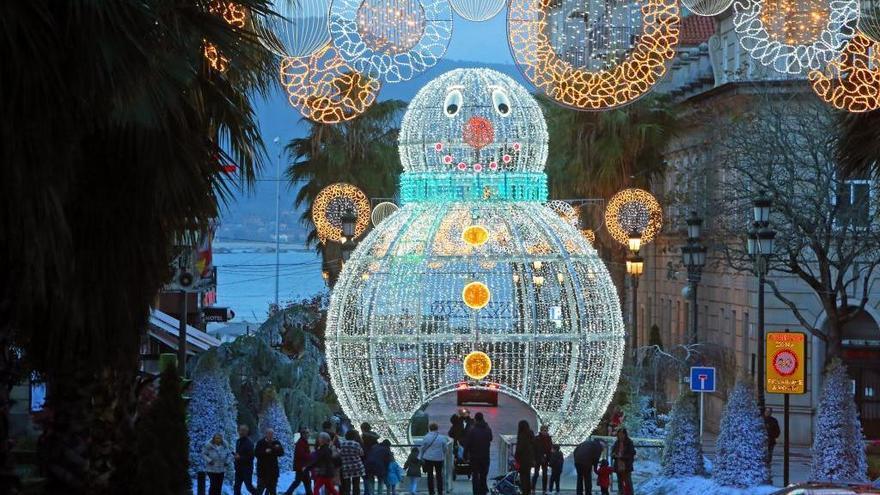 El Muñeco de Nieve de la Navidad de Vigo hace (otra vez) las maletas