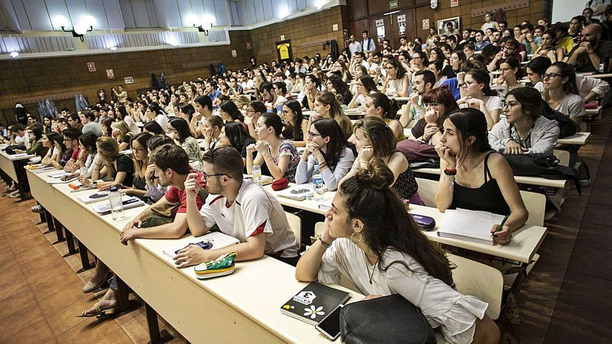 La academia MIR Asturias descarta volver en julio a las clases presenciales