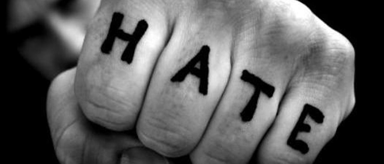 """En algunos casos el odio que vuelcan en internet los popularmente conocidos como """"haters""""  se manifiesta a cara descubierta, mientras que en otros son perfiles falsos."""