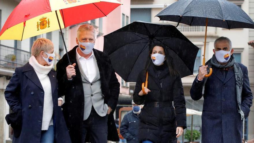 """Cs critica la presencia de Otegi en el acto de ERC, """"socio de Illa"""""""