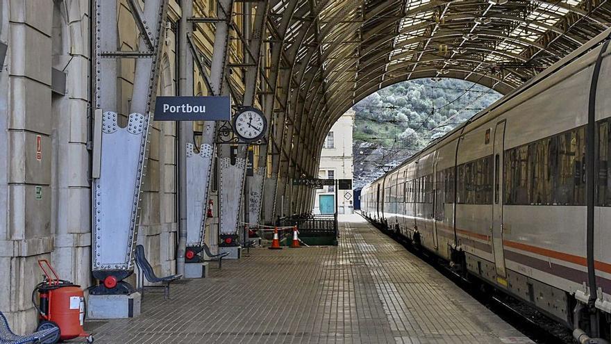 Entre Cervera i Portbou s'instal·laran càmeres de visió artificial per a vigilar el despreniment de tal·lusos