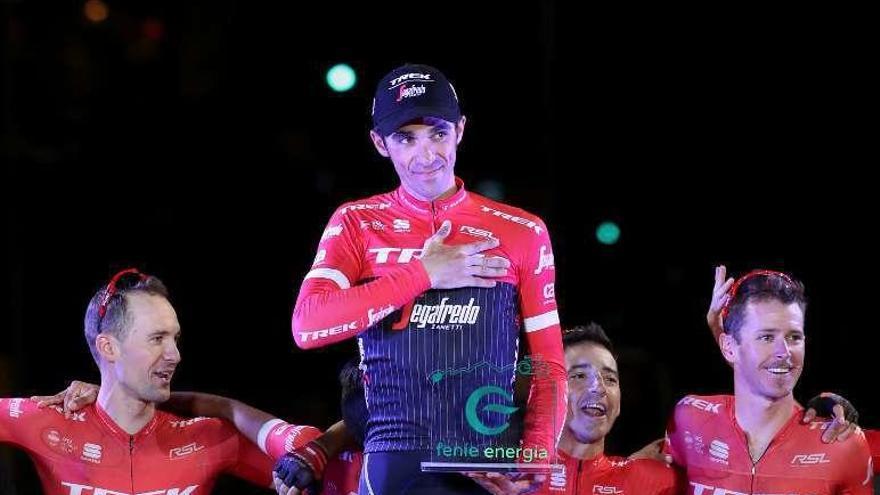 Pinto rinde homenaje a Contador