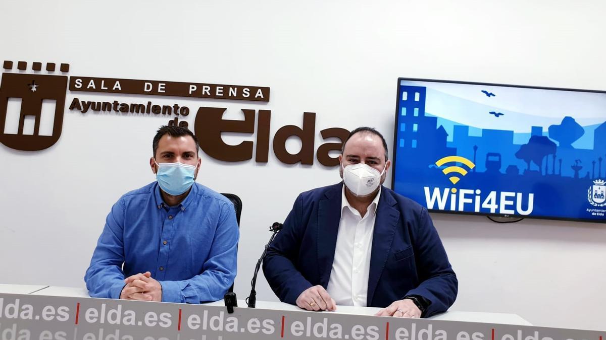 The councilors of Citizen Participation and Modernization, Javier Rivera and Jesús Sellés.