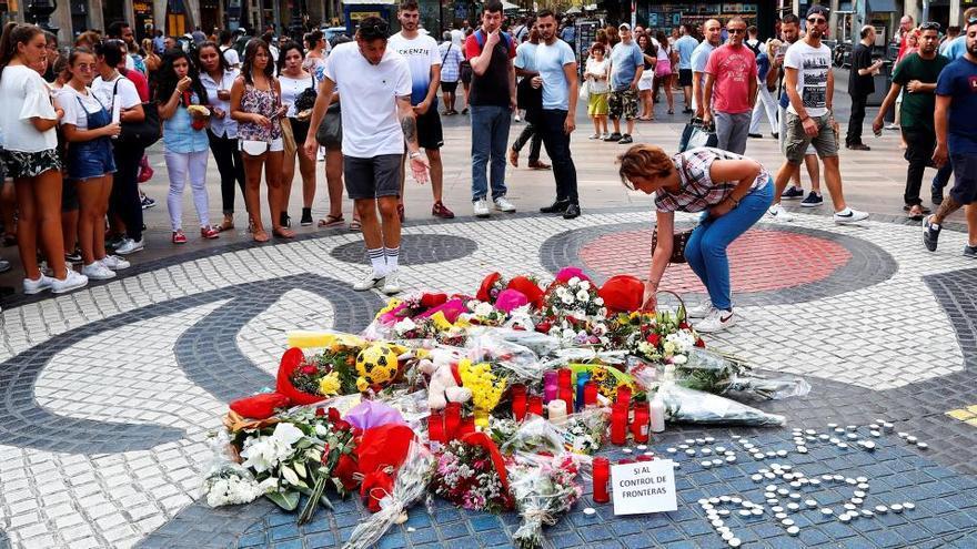 Ayuntamiento de Barcelona y Generalitat piden 95 y 44 años a los procesados por el 17A