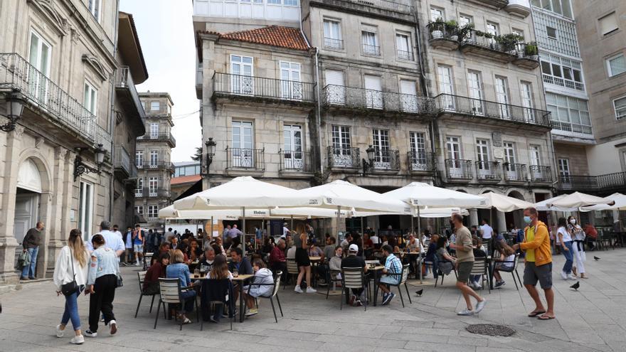 Más PCR y menos personas en los encuentros: los ejes de la nueva tanda de restricciones en Galicia