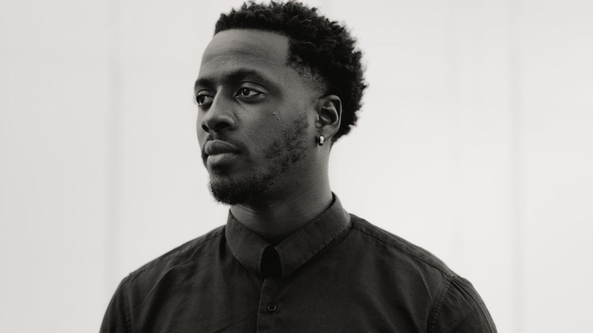Nana Kwame Adjei-Brenyah es el autor del aclamado libro de relatos 'Friday black' que ahora llega a España.
