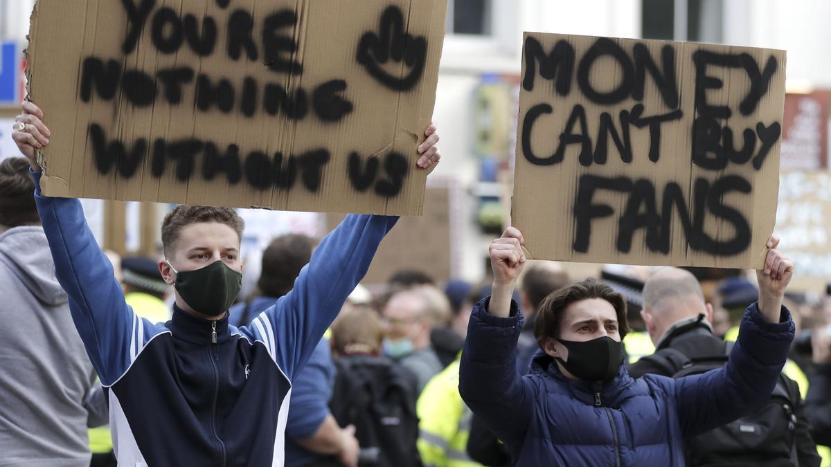 Chelsea fans protests