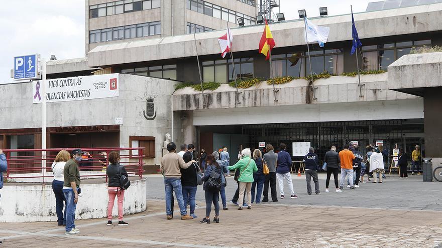 El Ingreso Mínimo Vital sigue atascado: miles de gallegos esperan respuesta