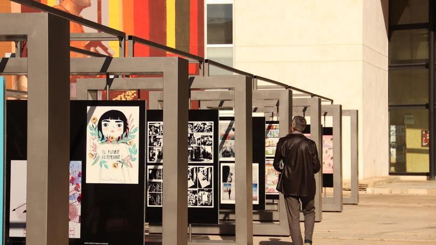 """La muestra """"¿Pintas o dibujas?"""" reúne a once autores del cómic en la UPV"""