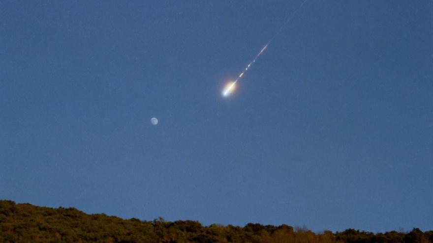Detectada una bola de foc sobrevolant el sud-oest peninsular a 213.000 km/hora