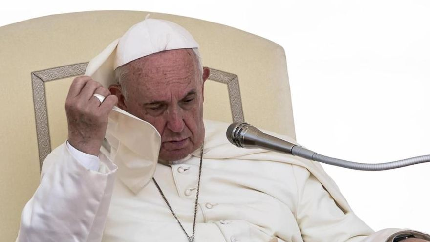 El Papa sufre de nuevo una ciática y no podrá oficiar sus próximas misas