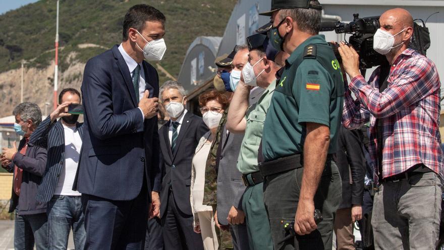 Sanchez aterriza en Ceuta en plena crisis migratoria