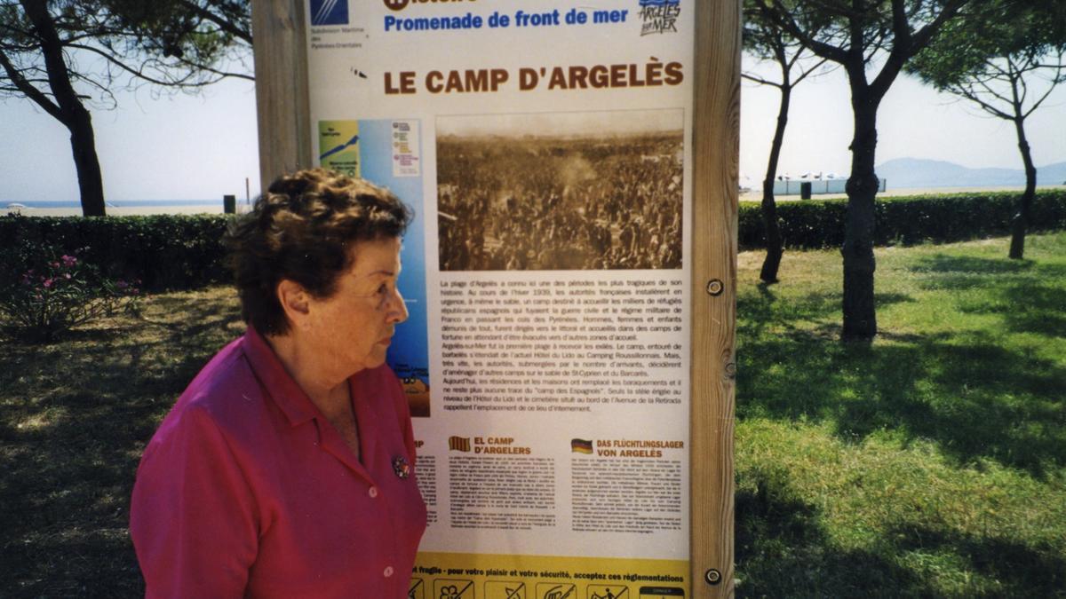 Rosa Laviña al camp d'Argelers, l'estiu de 2006.